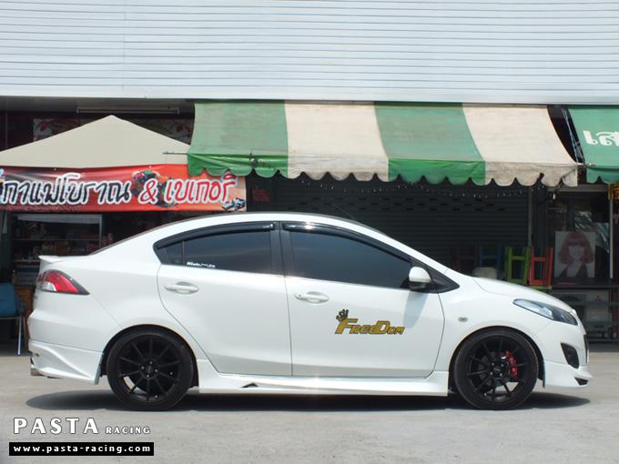 ชุดแต่ง สเกิร์ต Mazda 2 Seadan มาสด้า 2 4 ประตู File War Plus 2012 2013 2014 รังสิต ลำลูกกา ปทุมธานี สีขาว คุณถาวร รูป 3