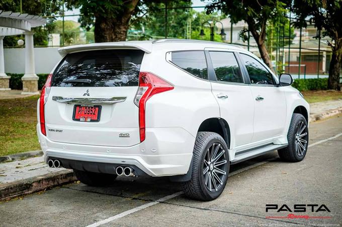 ชุดแต่ง สเกิร์ต แต่งรถ new pajero 2016 2017 2018 2019 jap รังสิต ลำลูกกา ปทุมธานี กรุงเทพ สีขาวมุก โปรชัวร์ฯ รูป 3